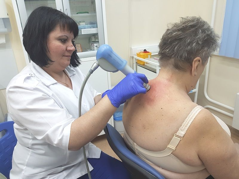 Гимнастика для спины при остеохондрозе грудного